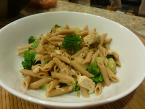 Whole wheat penne with broccoli and tuna