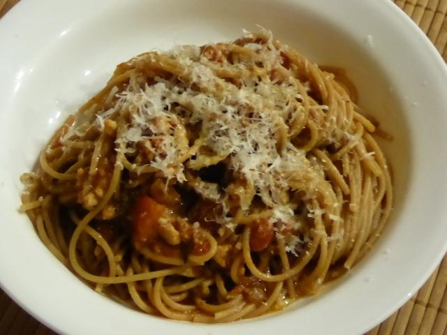 Spaghetti with ground turkey and mushroom sauce