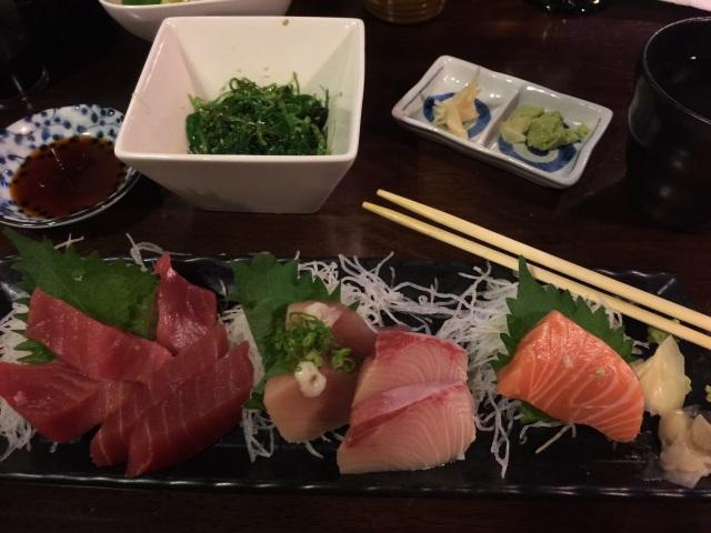 Wakame salad and sashimi
