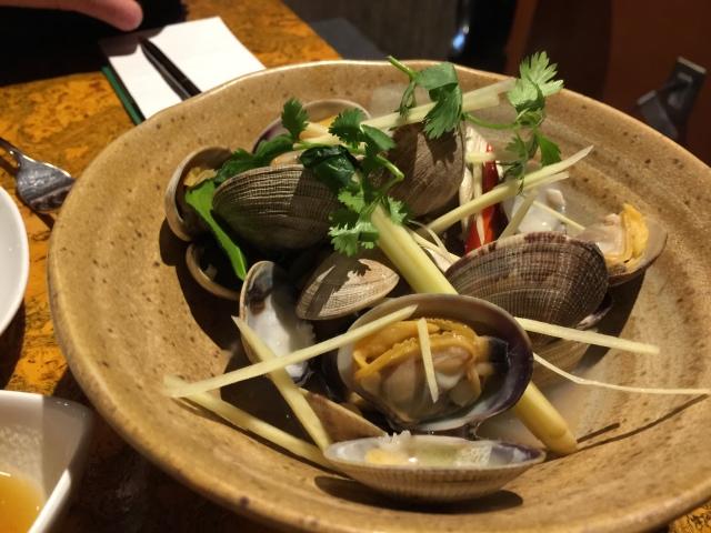 Steamed clams with lemongrass and Thai basil